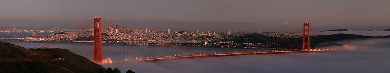 A panoramic view of the bridge with San Francisco in sight.  (Brocken Inaglory, Wikipedia Commons)