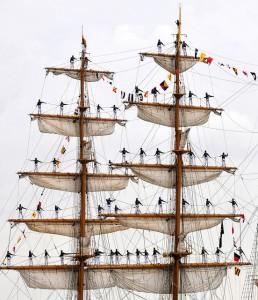 An Ecqadorian tall ship arrives in New Orleans for a War of 1812 Bicentennial ceremony.  (Petty Officer 1st Class Kenneth Robinson, U.S. Navy)