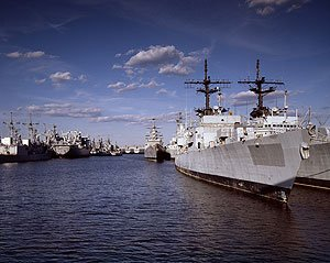 Carol's photo of the mothballed fleet at the Philadelphia Naval Shipyard.  (Carol M. Highsmith)
