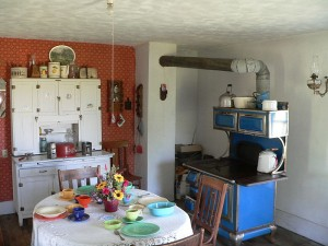 The preserved and restored Dowse family kitchen.  (Ammodramus, Wikipedia Commons)