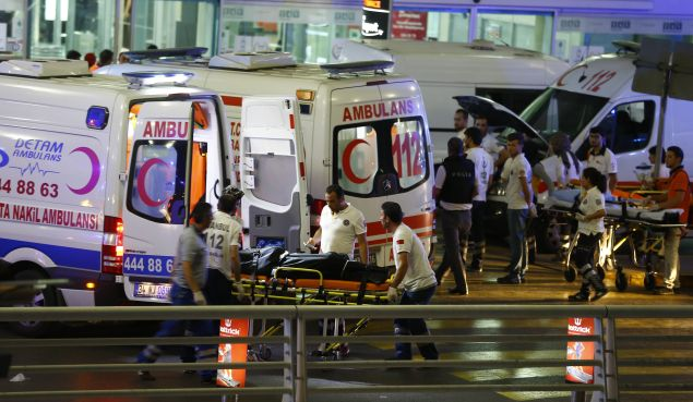 Paramedics push a stretcher at Turkey's largest airport, Istanbul Ataturk, Turkey, following a blast June 28, 2016. REUTERS/Osman Orsal - RTX2IR3E