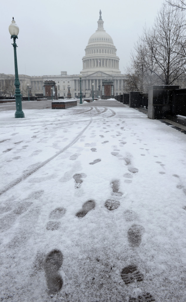 Çalıştığım yerin yakınlarındaki Kongre binası da kar fırtınasından nasibini almıştı Foto:AP
