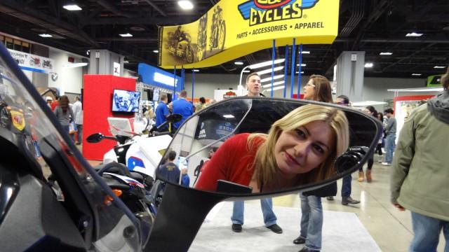 Motosikletli Kız Selin, Washington Uluslararası Motosiklet Fuarı'nda!