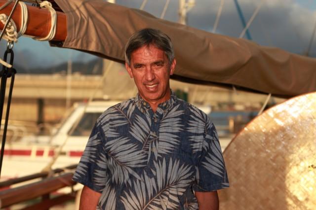 Hawaiili açık deniz yön bulma uzmanı Nainoa Thompson