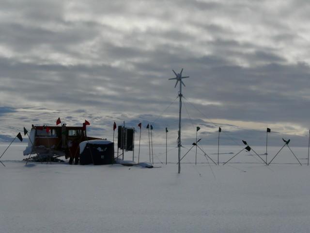 Antarktika'da kurulan kamptan bir görüntü