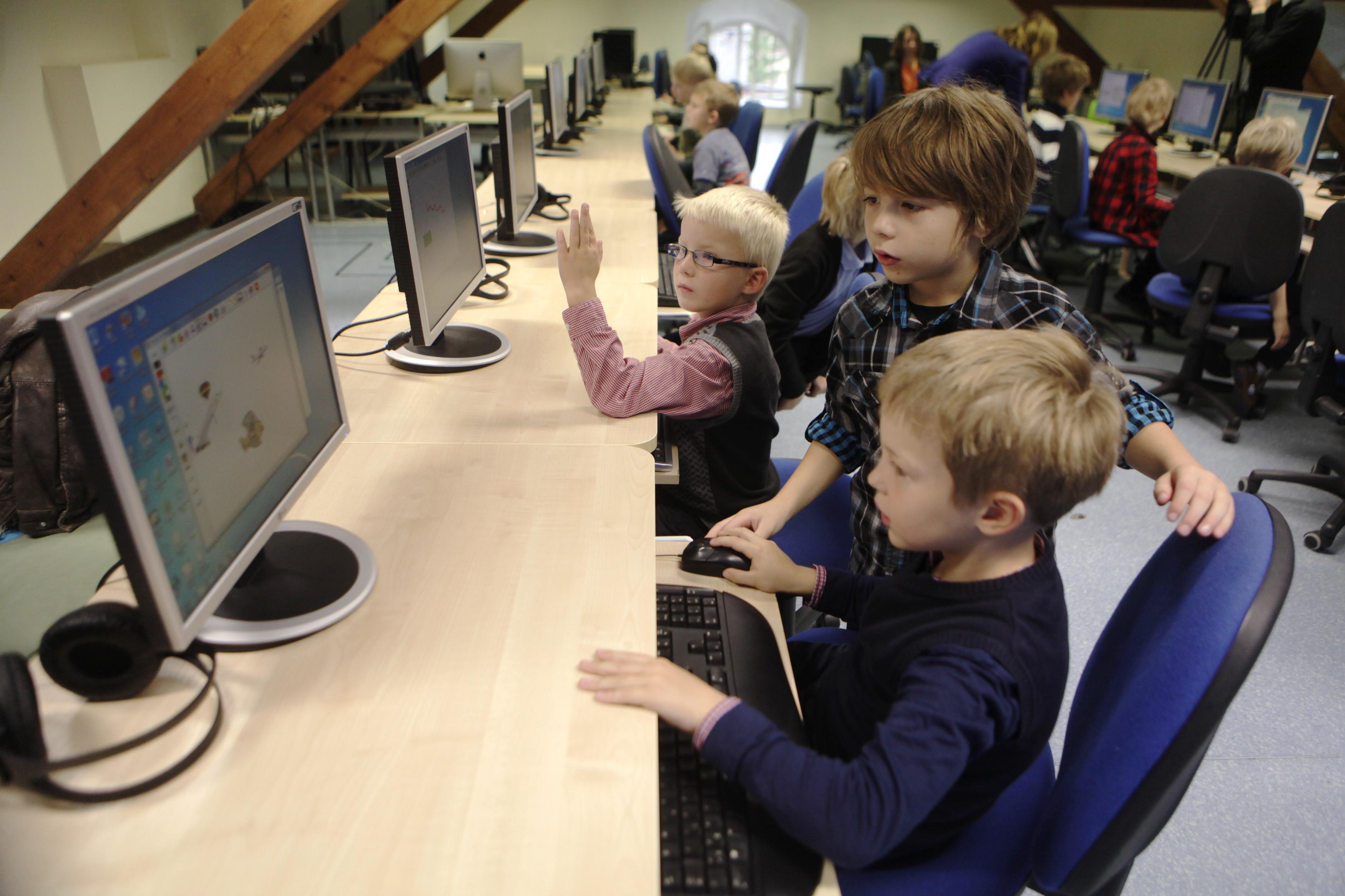 Bazı çocuklar kodlamayı ilkokul birinci sınıfta öğrenmeye başlıyor