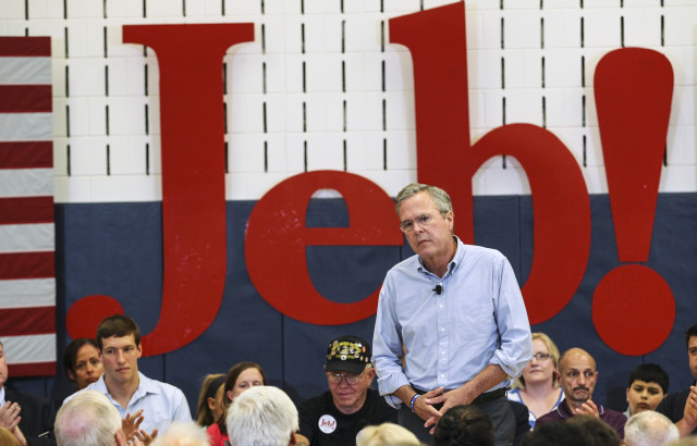 Republican presidential candidate, former Florida Gov. Jeb Bush pauses for applause while speaking at a town hall meeting in Salem, N.H., Sept. 10, 2015. (AP)
