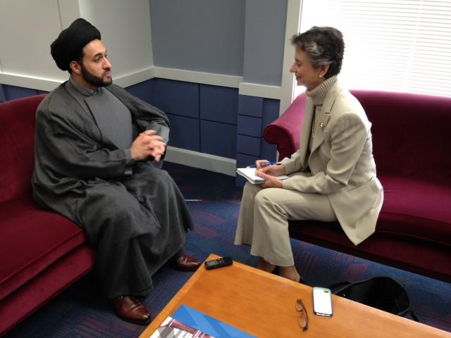 Iraqi Shi'ite cleric , Sayyed Jawad al-Khoei, talks with VOA columnist Barbara Slavin October 22, 2015 (Photo courtesy Hayder al-Khoei)