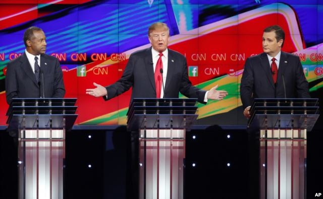 Donald Trump flanked by Ben Carson (L) and Ted Cruz (R) at the Republican presidential debate in Las Vegas Dec. 15, 2015 (AP)