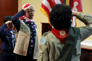 Scouts recite the Pledge of Allegiance prior to remarks by President Barack Obama at the Islamic Society of Baltimore mosque in Catonsville, Maryland Feb. 3, 2016.  (Reuters)