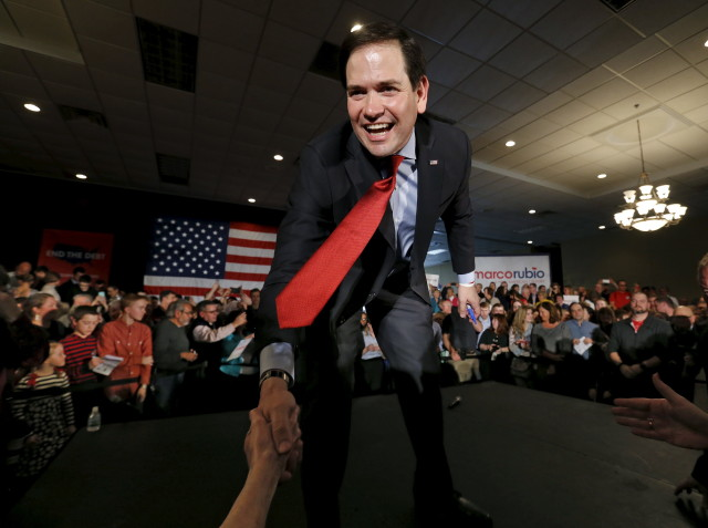 U.S. Republican presidential candidate Marco Rubio addresses supporters ahead of Minnesota's evening Super Tuesday caucuses in Andover, Minnesota March 1, 2016. (Reuters)
