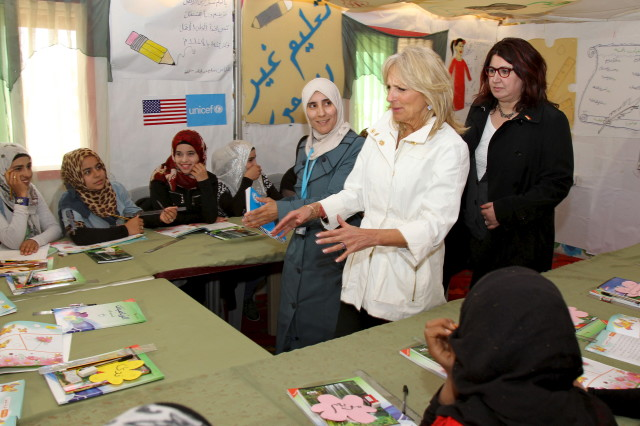 Jill Biden wife of VP Joe Biden, meets Syrian refugee children during her visit to Al Zaatari refugee camp in the Jordanian city of Mafraq, near the border with Syria, March 10, 2016. (Reuters)