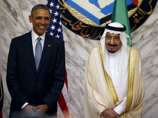 U.S. President Barack Obama (L) stands next to Saudi Arabia's King Salman during the summit of the Gulf Cooperation Council (GCC) in Riyadh, Saudi Arabia, April 21, 2016. (Reuters)