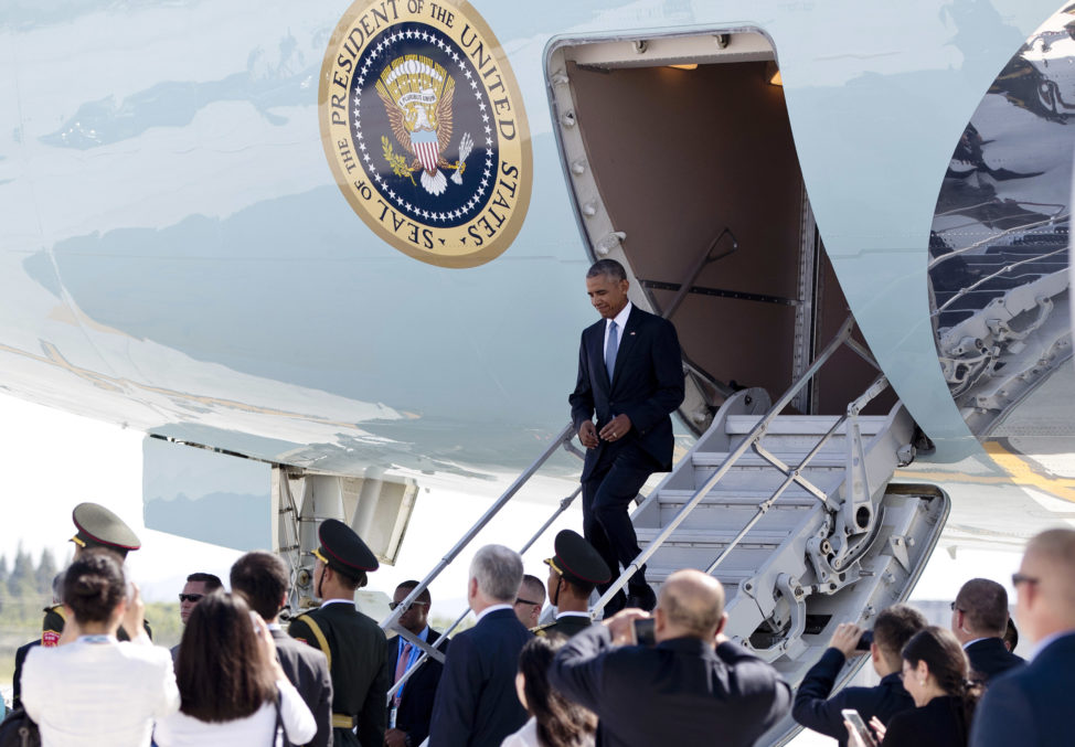 President Barack Obama arrives on Air Force One at Hangzhou Xiaoshan International Airport in Hangzhou in eastern China's Zhejiang province, Saturday, Sept. 3, 2016. Some perceived it as a slight to Obama that airplane stairs and a red carpet were not made available for the U.S. president. (AP)