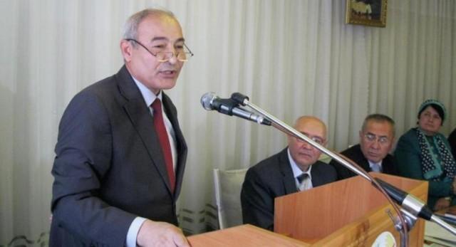 Tojik professori Badriddin Maqsudov Navoiyning yangi qo'lyozmasi nusxasini topganini aytmoqda.