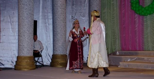 Tohir va Zuhro asaridan ko'rinish.
