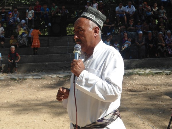 """Guruh rahbari Shamsiddin Hojimatov 45 yildan beri """"simda""""."""