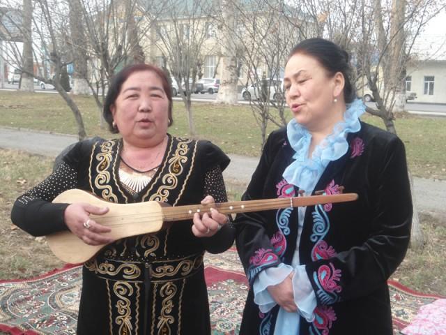 Hech bir  marosim xalq talantlarisiz o'tmaydi, O'sh, mart 2014.