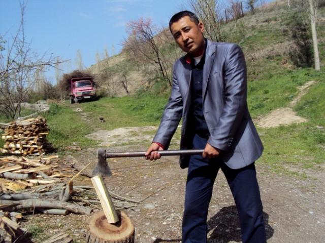 Ikkinchi sovrindor ijodkor - qirg'izistonlik yosh shoir Bobomurod Rahmatulloyev