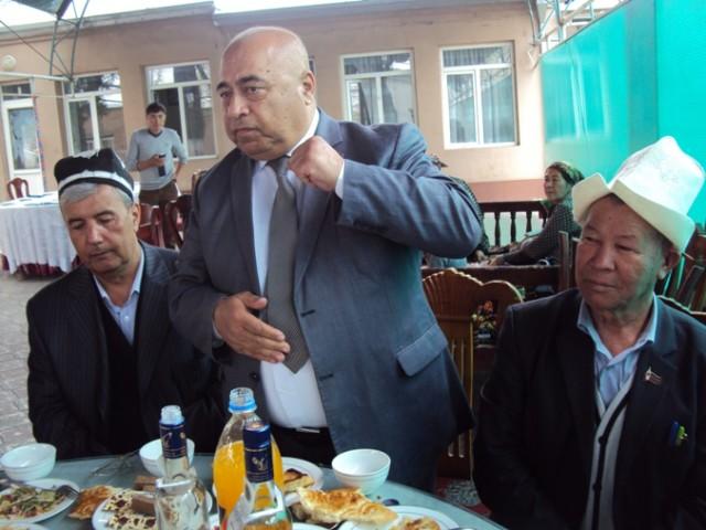 Poytaxtdan tashrif buyurgan Sulaymon Ermatov ijodkorlarning grajdanlik pozitsiyasi haqida so'z yuritdi